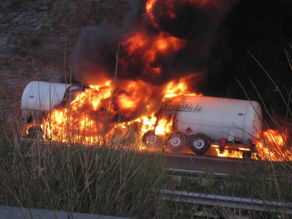 On Oct. 20, 2011, in Zarzalico, Spain, a tanker carrying LNG rear-ended a truck that was pulled over on the highway's shoulder. A fire quickly erupted, killing the tanker driver. PHOTO CREDIT Bonilla, J.M., Belmonte, J., Marín, J.A., 2014. Gas Natural: El accidente de Zarzalico